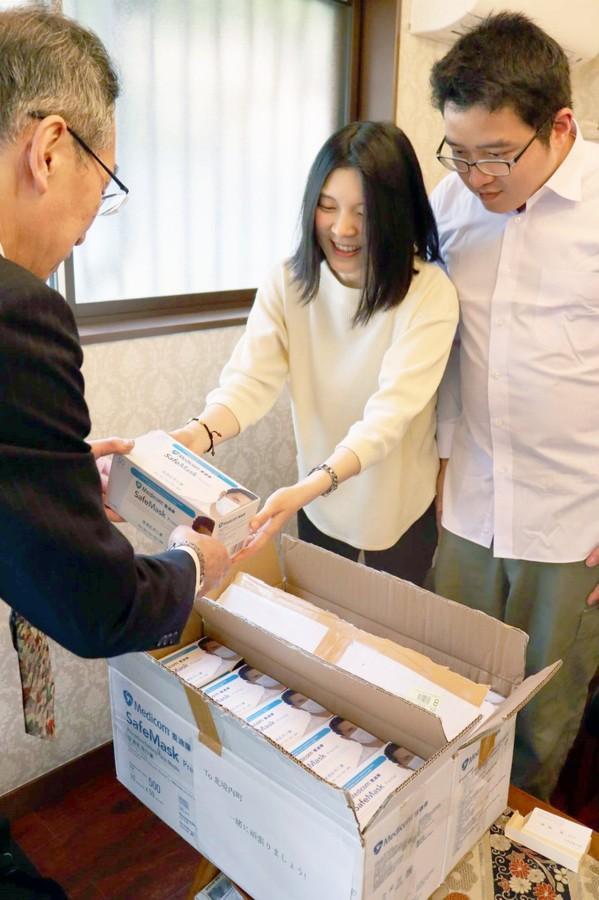 中国女子自费给日本捐千只口罩:为了感恩