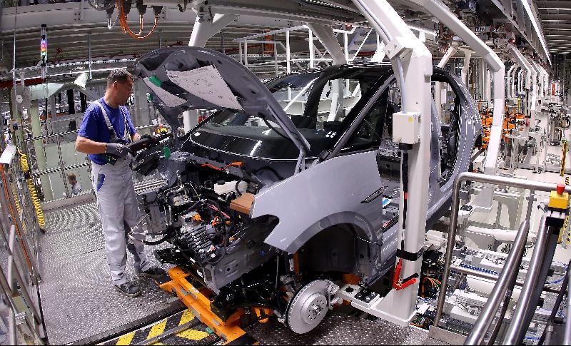 德国政府经济预测: 今年跌6.3%/明年弹5.2%