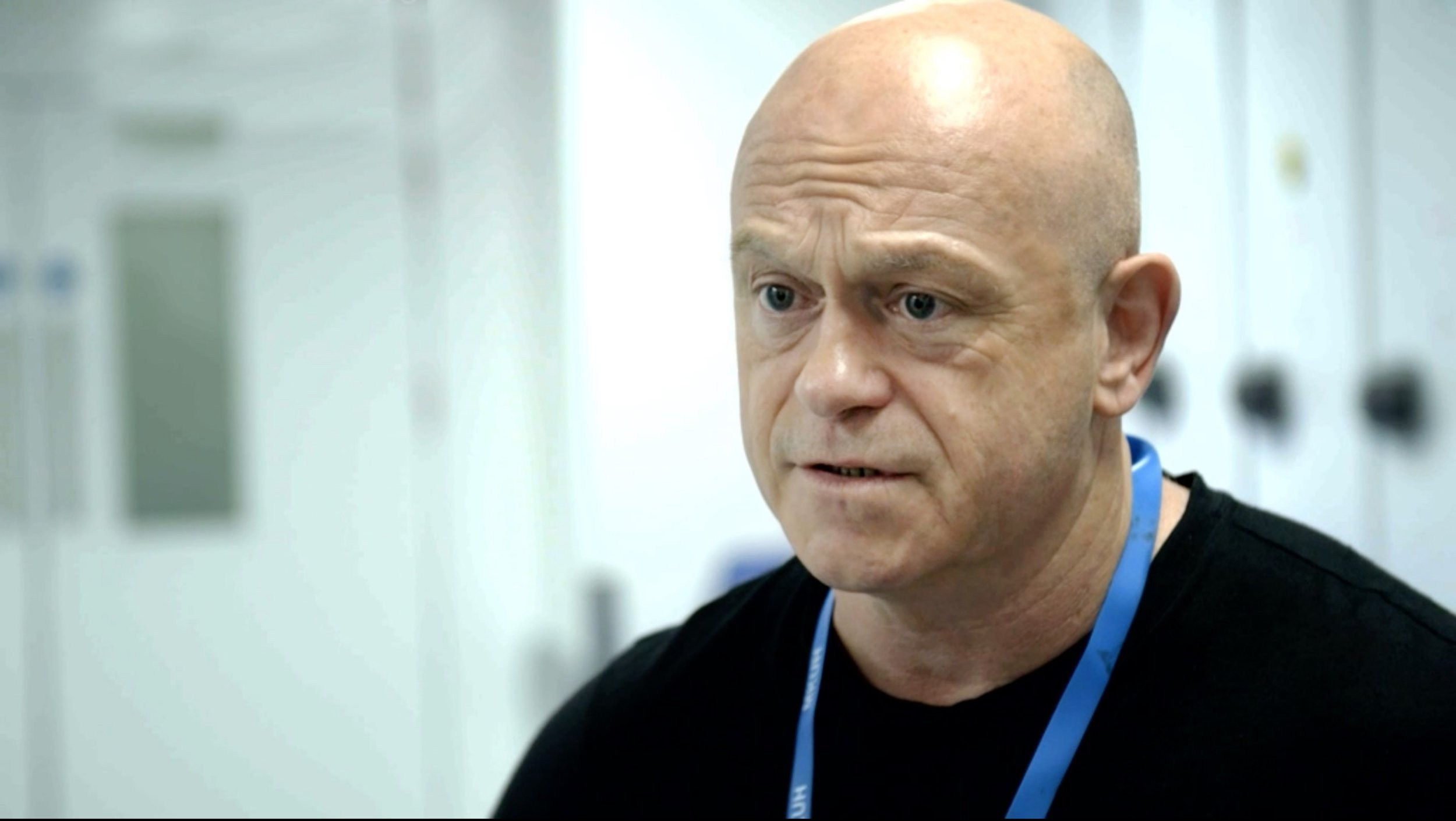 Ross Kemp shares harsh reality of NHS frontline after man dies of coronavirus while filming for documentary
