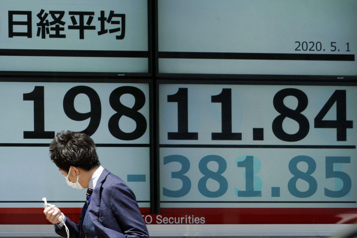 Coronavirus latest: Trump dig at China disturbs markets as India extends lockdown