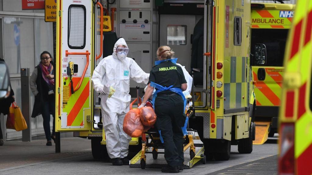 英国新冠肺炎确诊病例累计逾18万例 死亡病例超2.8万例