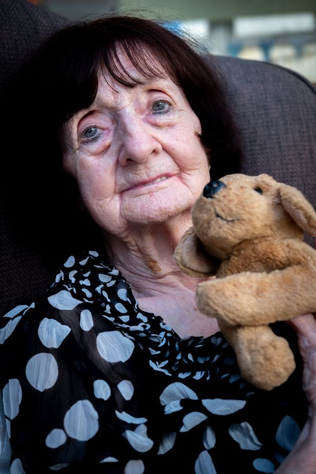 Mum 'faced dying scared and alone' of coronavirus as Government 'sacrificing' elderly