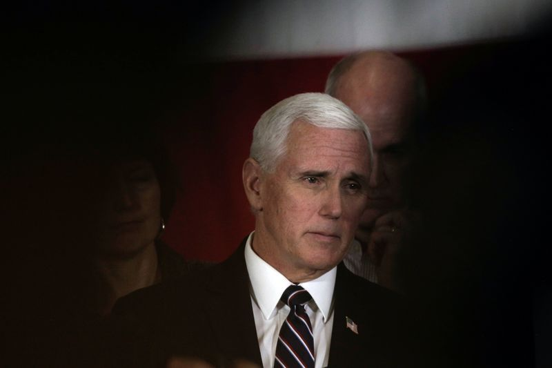 Pence says he should have worn face mask at mayo clinic