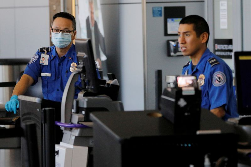 U.S. May require masks at airports in changes to limit coronavirus