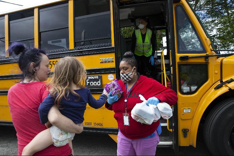 疫情期调查:美5孩童1挨饿·比2008金融危机糟