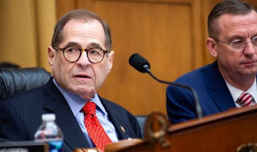 美司法部撤销对前国家安全顾问的指控 国会民主党人要求立即解释
