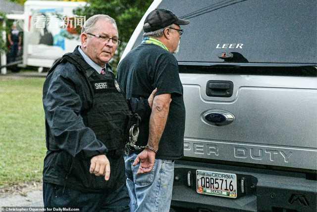 黑人男子跑步被无辜射杀 两名白人男子终被逮捕