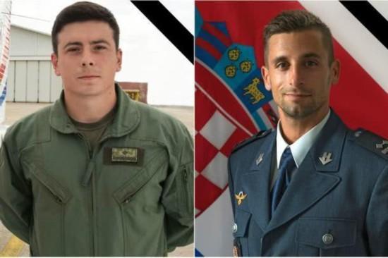克罗地亚一架教练机坠毁致2死 副总理兼防长引咎辞职