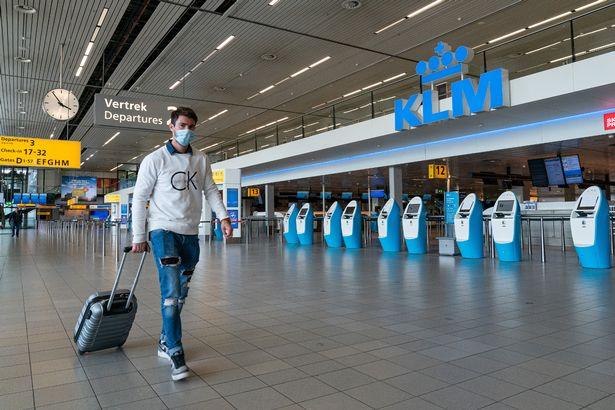 Manchester, Stansted and East Midlands airport passengers ordered to wear face masks