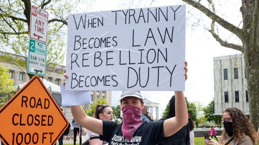 美国部分州尚未宣布解除封锁日期 当地民众抗议加剧