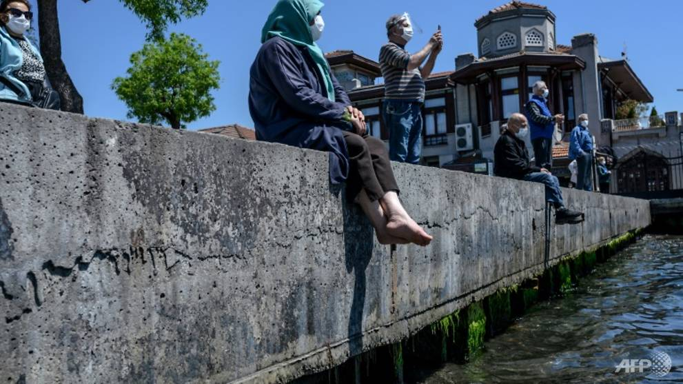 Elderly in Turkey go outside for first time since March