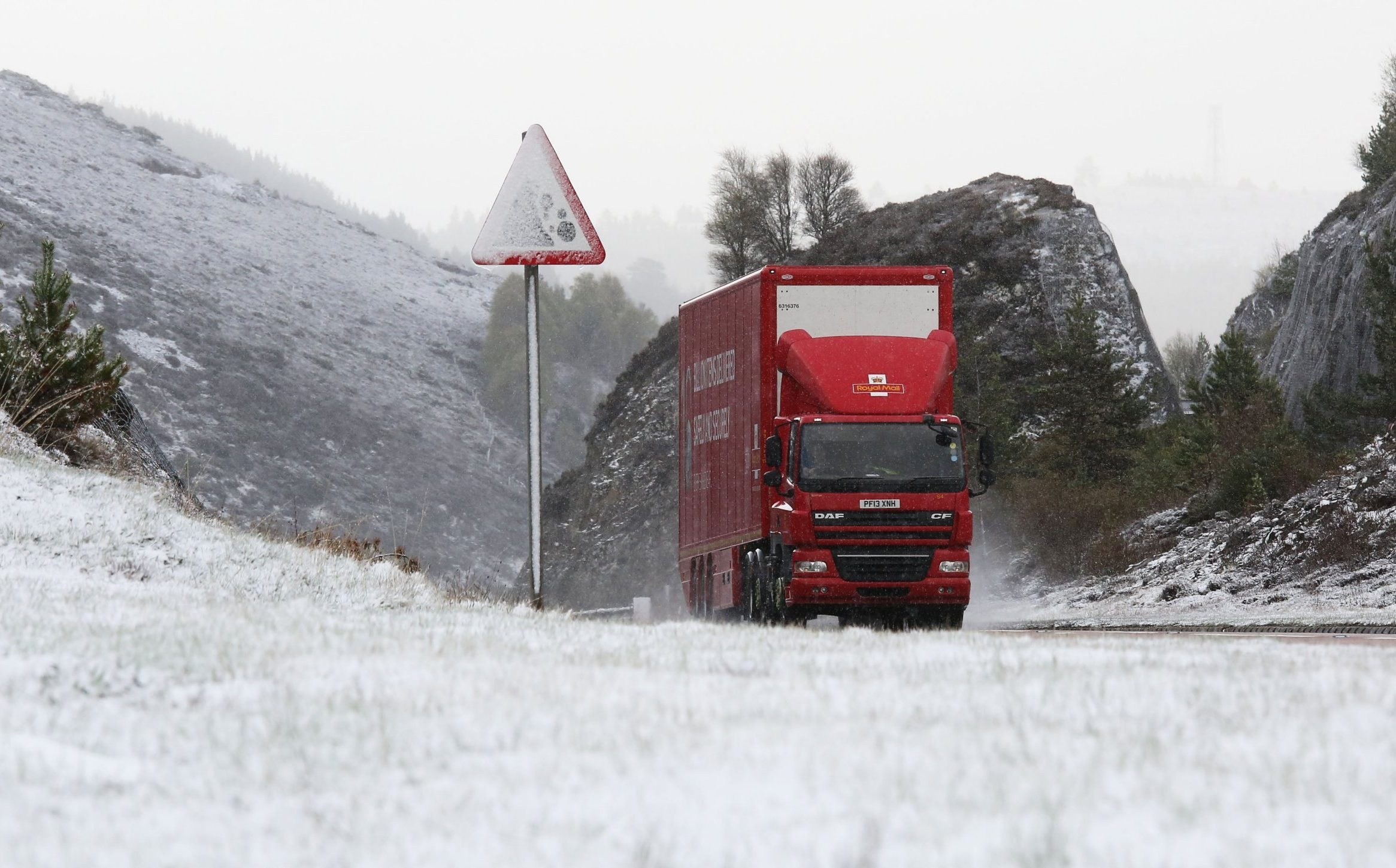 Winter makes a comeback as parts of Scotland are blanketed in snow