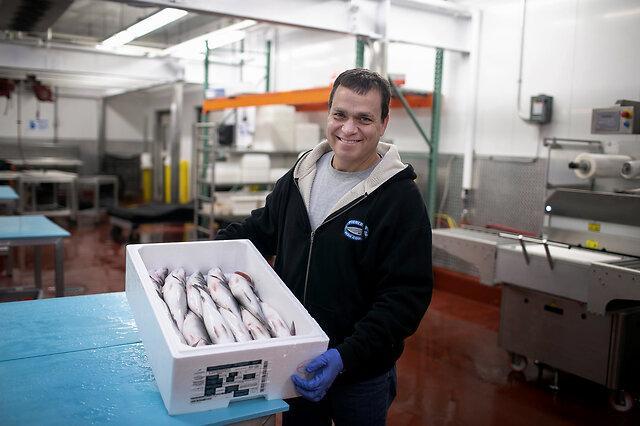 疫情期间美国民众爱上吃海鲜:销售额同比增长37%