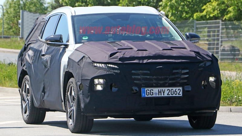 Next-gen Hyundai Tucson reveals its production lights in new spy photos