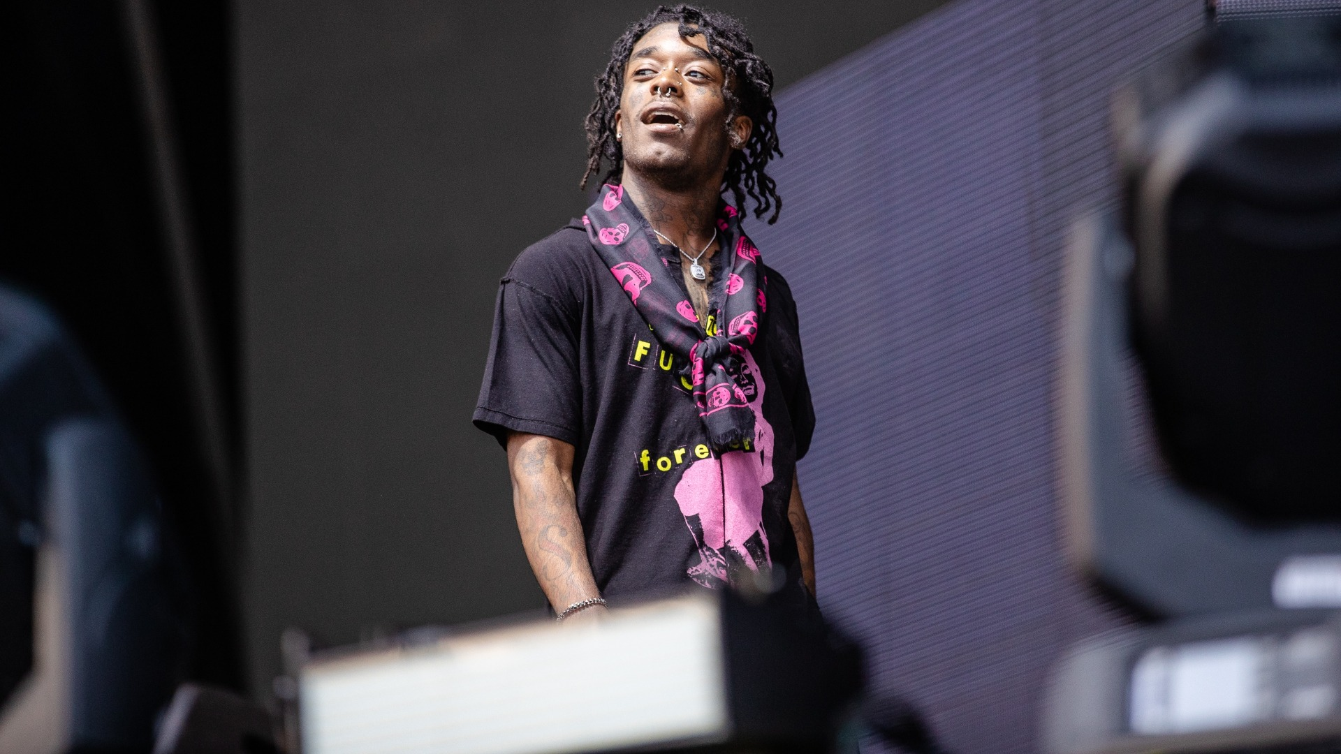 Watch Lil Uzi Vert Freestyle With a Fan at a Gas Station