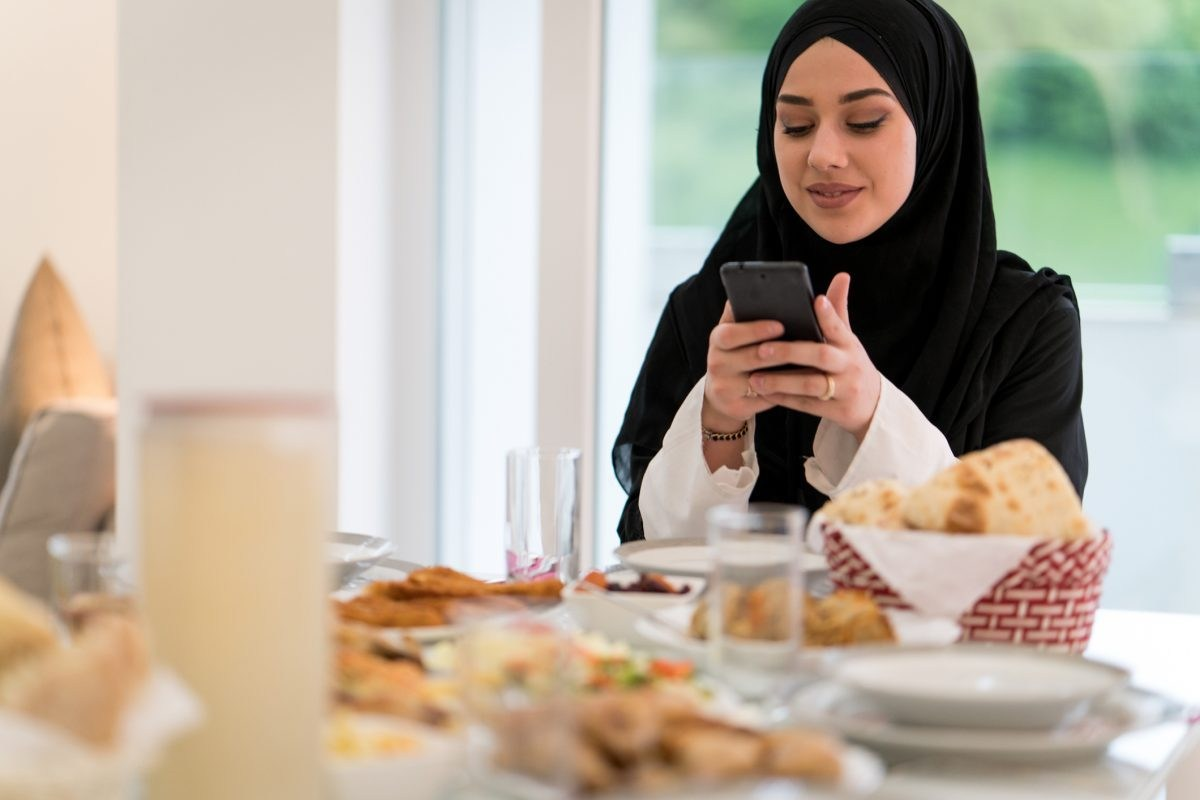 Website automates donations so Muslims can give to charity equally in the last ten days of Ramadan