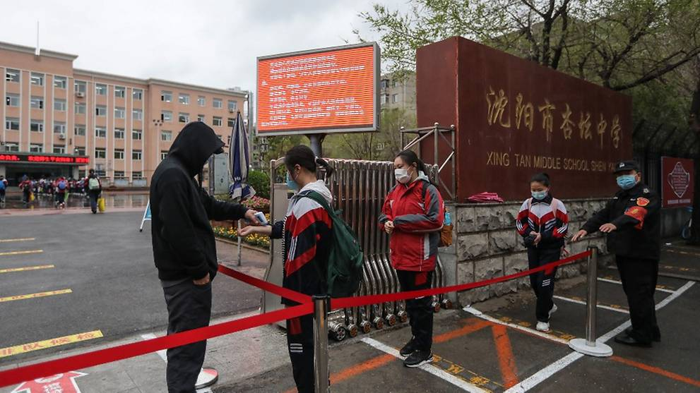 Chinese city quarantines thousands over new COVID-19 cluster
