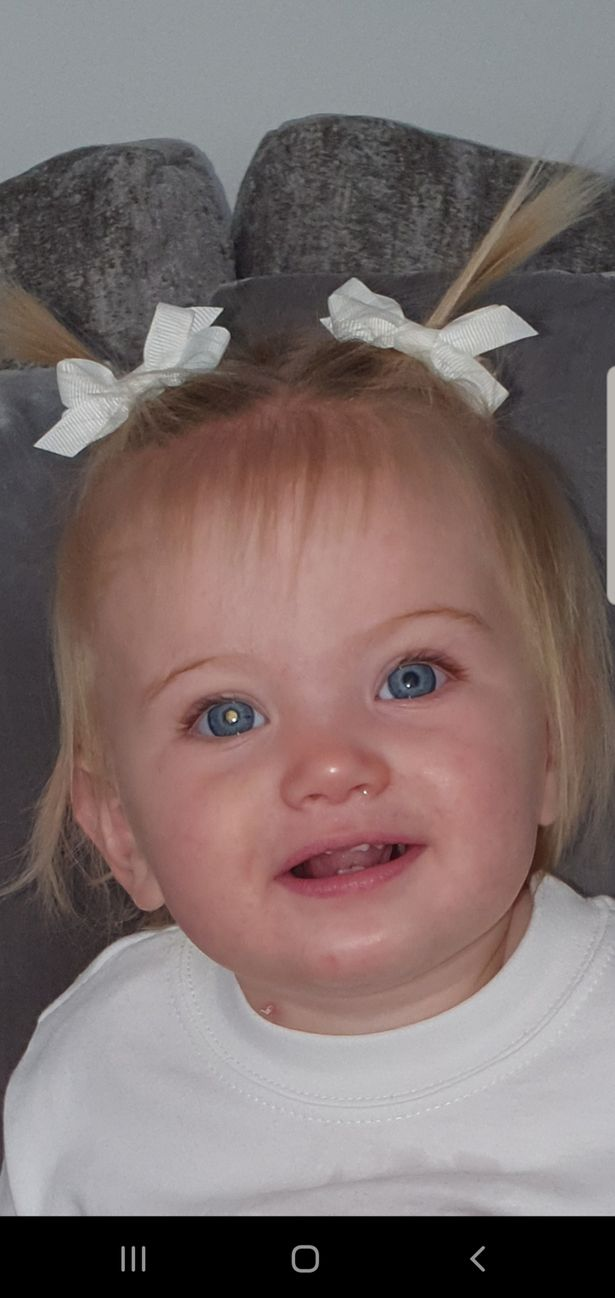 Hero doctors help girl, 1, see again after losing vision in both eyes to cancer
