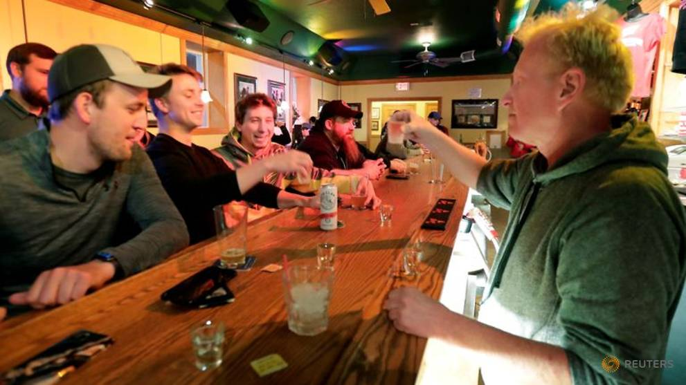 Wisconsin bars reopen for business after Supreme Court strikes down lockdown