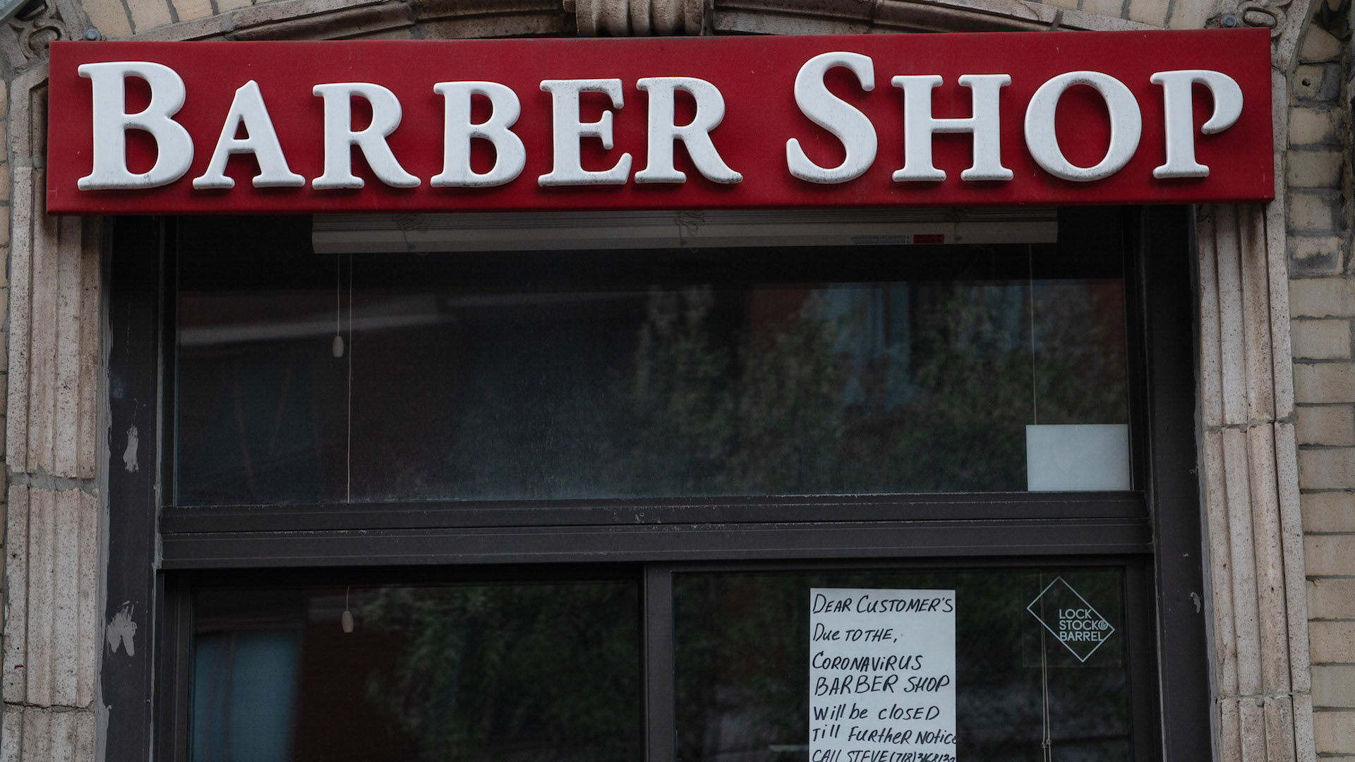 New York Barber, Defying Shutdown Orders, Contracts Coronavirus While Cutting Hair