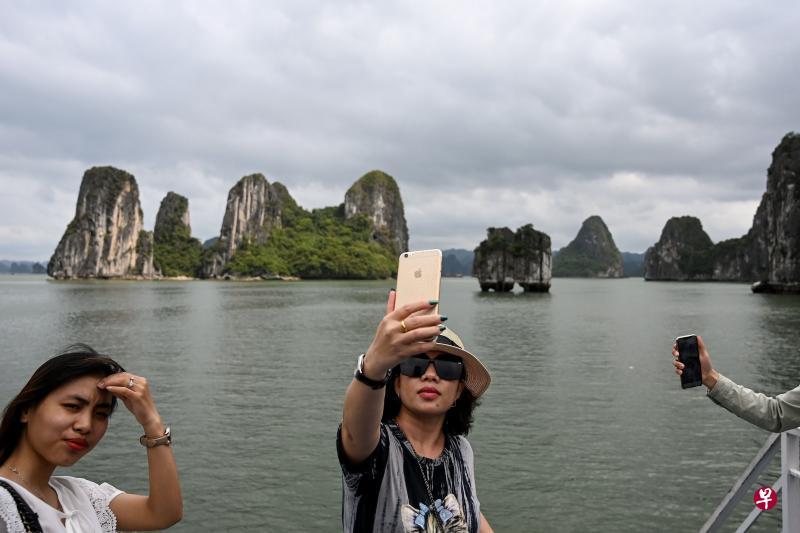 越南逐步松绑 多个旅游胜地涌现人潮