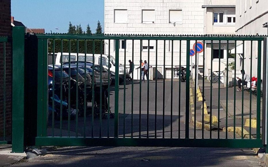 法国一外国劳工宿舍暴发集体感染 已确诊12例