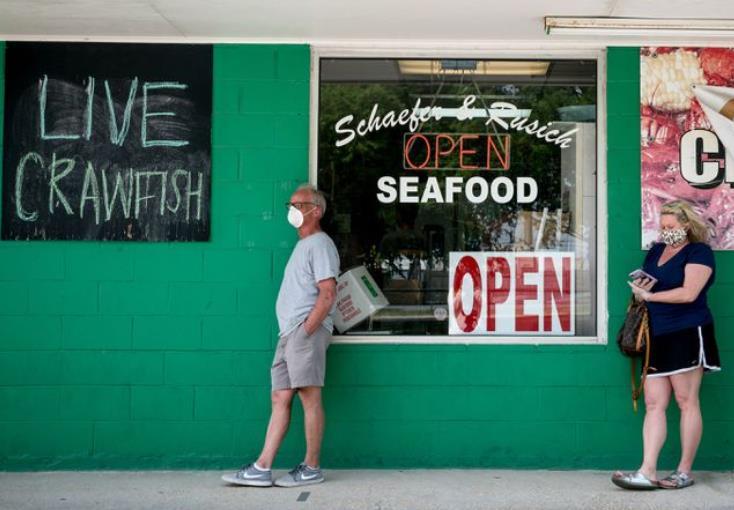 美国这州现聚集性疫情:3个小龙虾养殖场百名工人感染