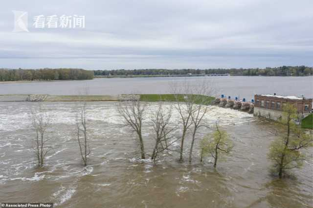 密歇根州两大坝决堤万人撤离 特朗普计划明前往