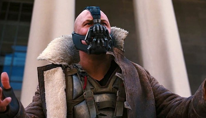 新冠疫情意外掀起抢购!《蝙蝠侠》反派角色Bane面具卖断货!