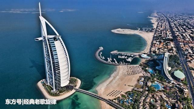 迪拜的菜市场什么样?鲨鱼成堆,当地人已经司空见惯了