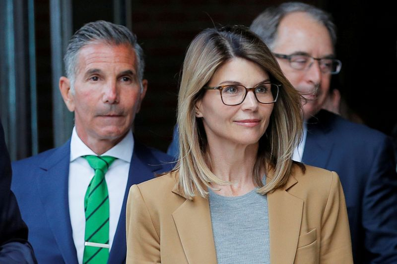 Lori loughlin, husband to plead guilty via zoom to U.S. College admissions scam