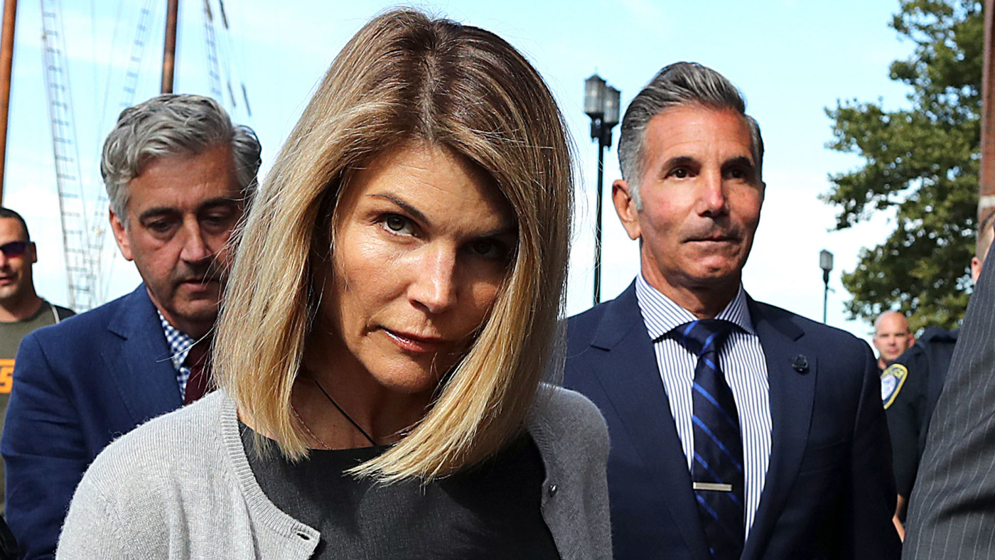 Lori Loughlin and Mossimo Giannulli Plead Guilty in College Bribery Case