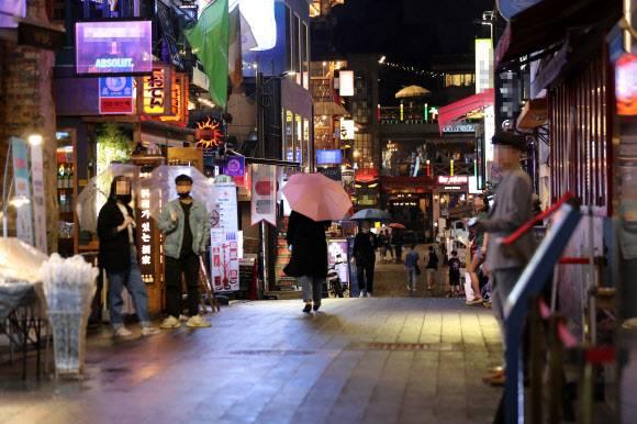 韩国夜店集体感染事件已致207人确诊 感染源或来自欧美