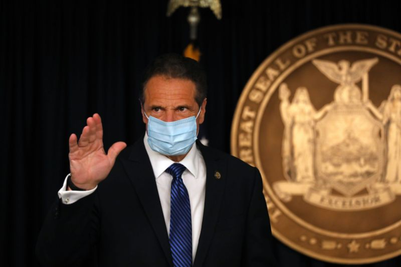 The cuomo brothers' dynamic is entertaining. It's also bad journalism.