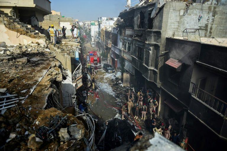 41 Bodies recovered, dozens more feared dead in Pakistan plane crash