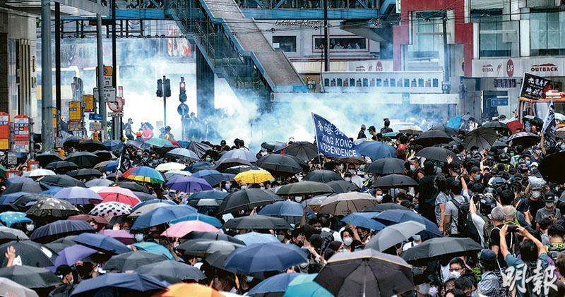 """""""香港问题应由香港解决""""·英国报告:并非中国"""
