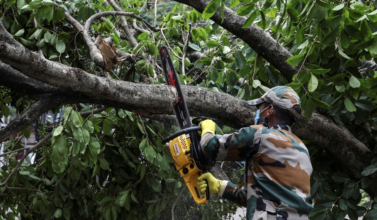Indian army arrives to help Kolkata recover from devastating Cyclone Amphan