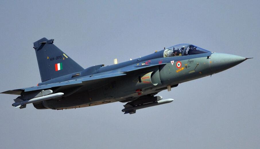印度空军组建第二支LCA光辉战机中队 具备完全作战能力