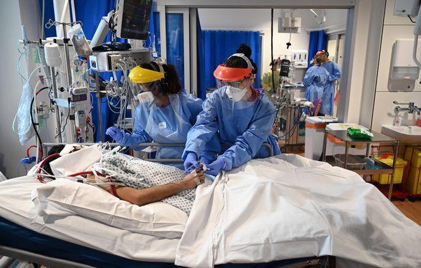 UK coronavirus hospital death toll rises by 165 amid Christmas bubble warnings