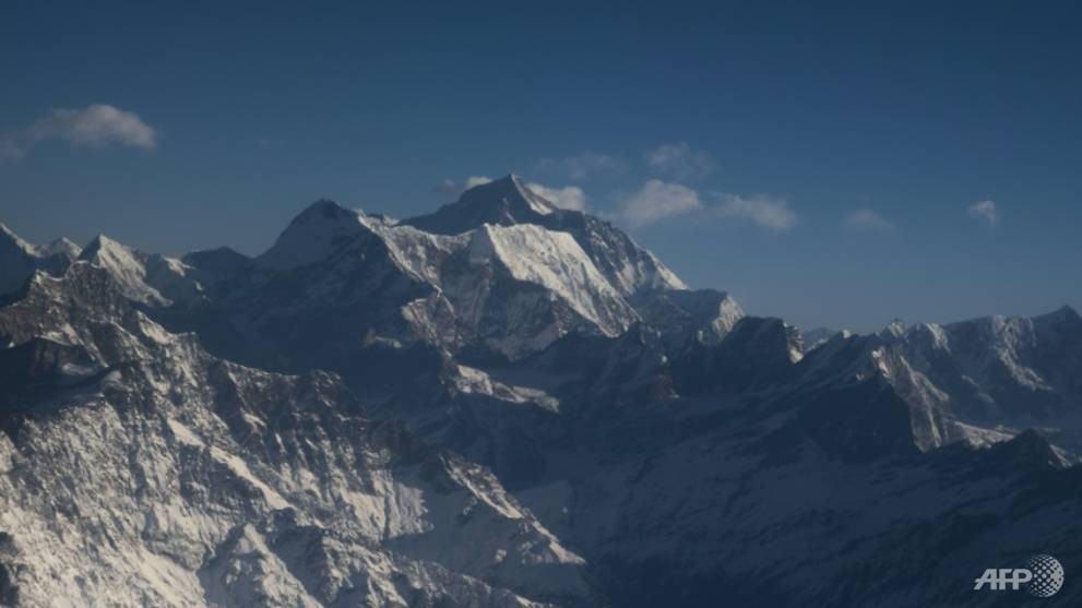 First coronavirus-era Chinese expedition measures Everest