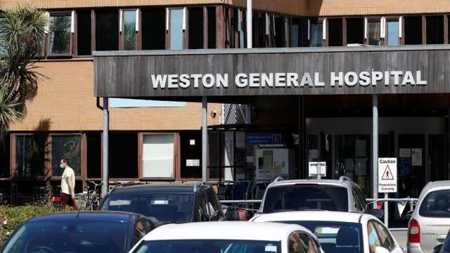 英国一医院40%工作人员感染新冠,无法再接收病人