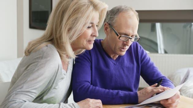 疫情致使美国人开始存钱 4月个人储蓄率创历史新高