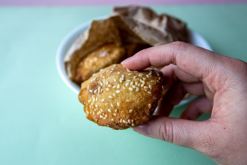 Hum Jin Pang: S$1 Old-School Fritters In Maxwell Food Centre