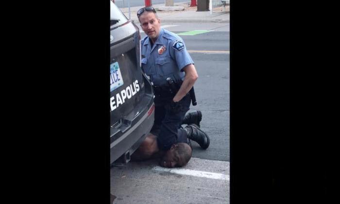 美国警察暴力执法致一名黑人死亡,当地警察局长道歉