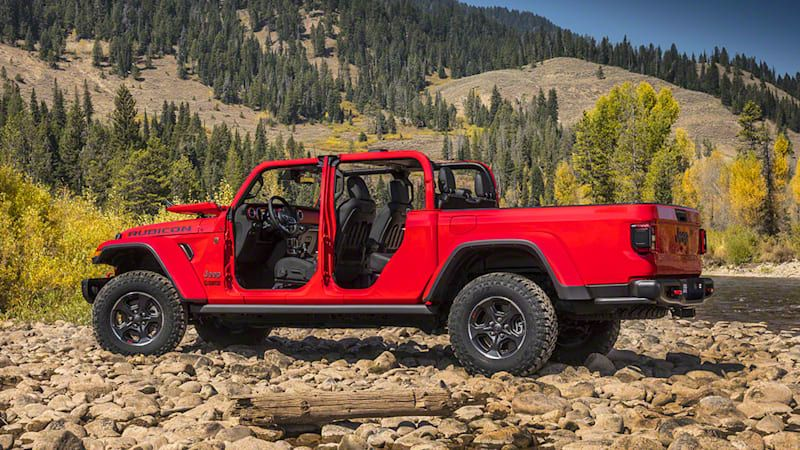 2020 Jeep Gladiator Rubicon Driveway Test Video | Sun's out, guns out