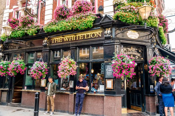 More than 75% of pubs could reopen if social distancing cut to 1m, industry boss says