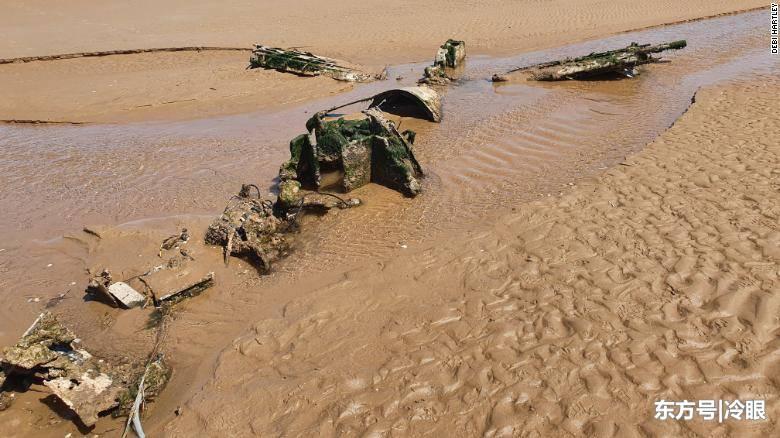 二战战斗机掩埋沙滩76年重见天日,飞行员当年已成功逃生