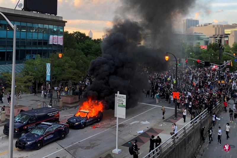 美国示威暴乱延烧超过30城市
