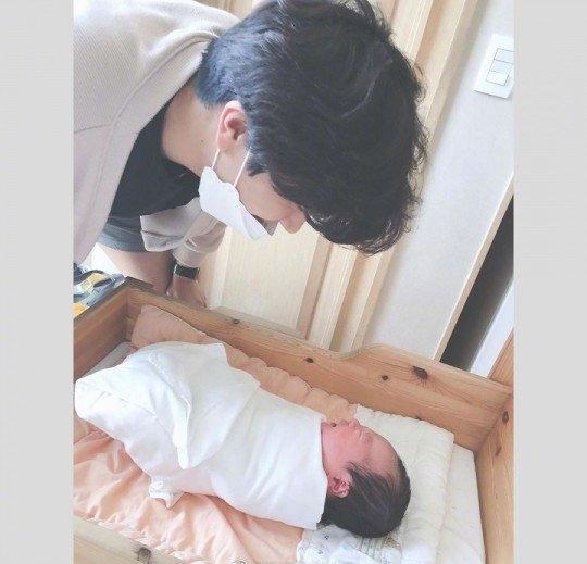 T-ara前成员韩雅凛升级当妈 晒丈夫儿子同框照甜蜜温馨