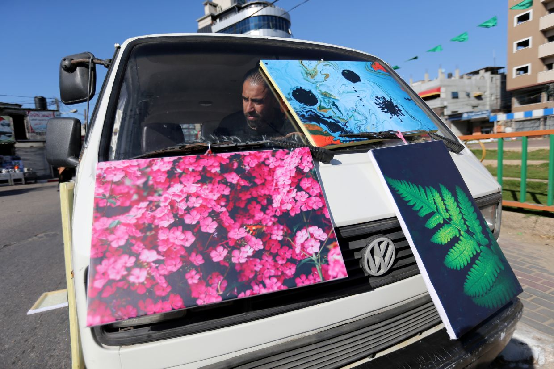 Art van adds a splash of colour to drab Gaza life